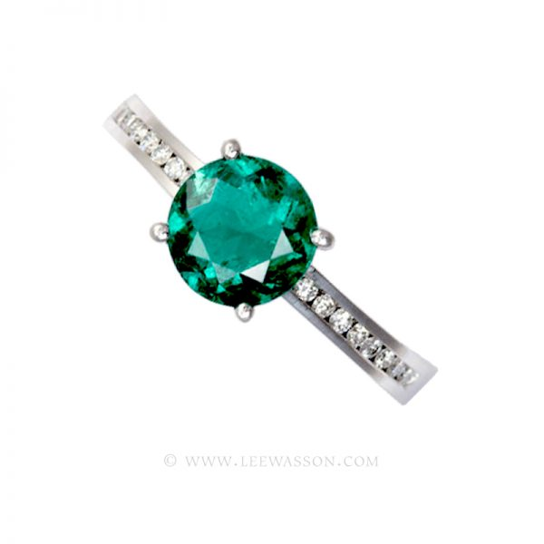 Colombian Emerald Ring Round Brilliant cut Emerald set in 18k White Gold 19449