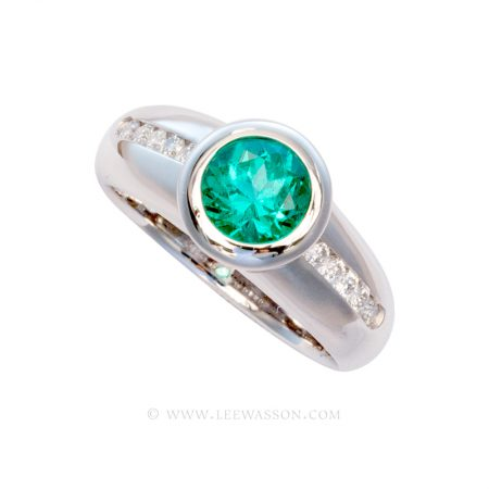 Colombian Emerald Ring, Brilliant cut Emerald set in18k White Gold