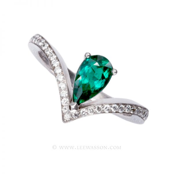Pear Shape Colombian Emerald White Gold Ring 19598