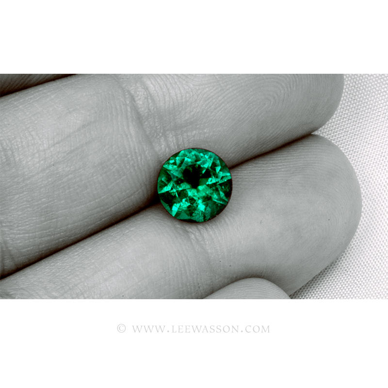 Colombian Emeralds, Round Brilliant Cut Emerald, Approx. 2.00 Carat Sparkling Muzo Mine Emerald. Leewasson.com -10064 -5