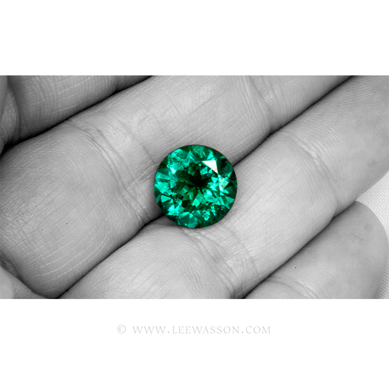 Colombian Emeralds, Over 5.00 Carats of Bluish Green Round Brilliant Cut Emerald From The Mine of Chivor. leewasson.com - 3