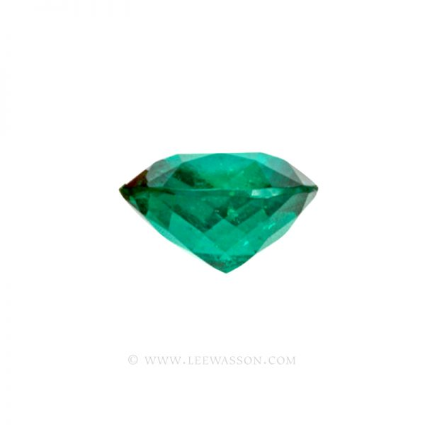Colombian Emeralds Cushion Cut and Beautiful Emeralds set in 18k White Gold - leewasson.com - 2 - 10014