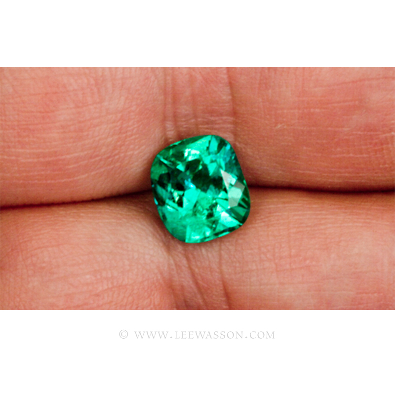 Colombian Emeralds, Cushion Cut Emeralds, Exactly 3.00 Carats. leewasson.com 10017 - 2