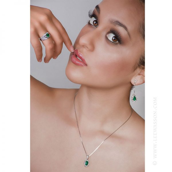 Colombian Emerald Pendant, Emerald Oval Cut set in18K White Gold Necklace 19557