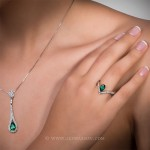 Colombian Emerald Pendant, Pear shape Emerald set in White Gold Necklace 19559