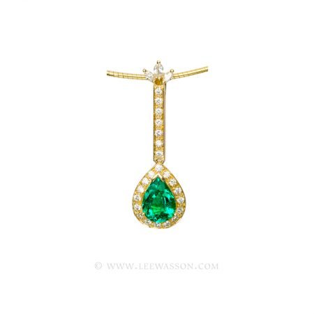 Colombian Emerald Pendant, Pear shape Emerald Necklace set in 18k Yellow Gold
