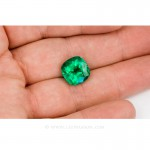 Colombian Emeralds, Cushion Cut Emeralds and set in 18k White Gold - leewasson.com - 10041 - 3