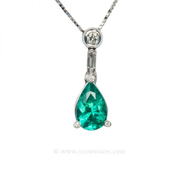 Colombian Emerald Pendant, Pear shape Emeralds Pendants set in 18k White Gold