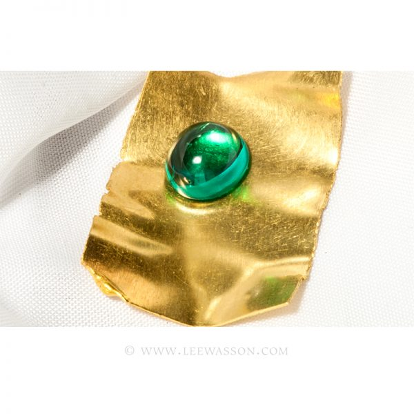 Loose Cabochon Cut, Colombian Emerald