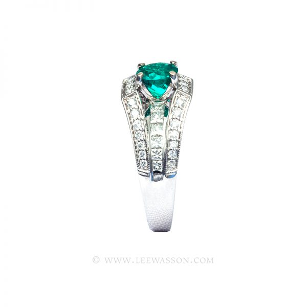 Colombian Emerald Ring, Round Brilliant Cut, White Gold