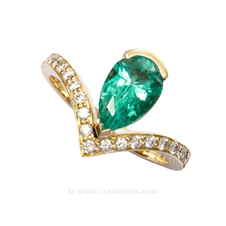 Colombian Emerald Ring, Pear shape Emerald set in 18K Yellow Gold