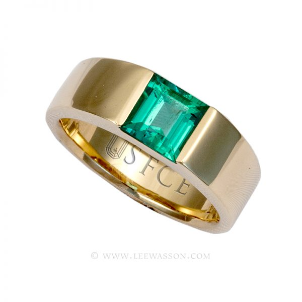 Colombian Emerald Ring Square cut 18k Yellow Gold 19630