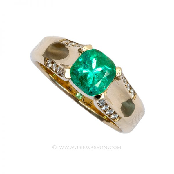 Colombian Emerald Ring, Cushion cut Emerald Ring set in 18 carat Yellow Gold