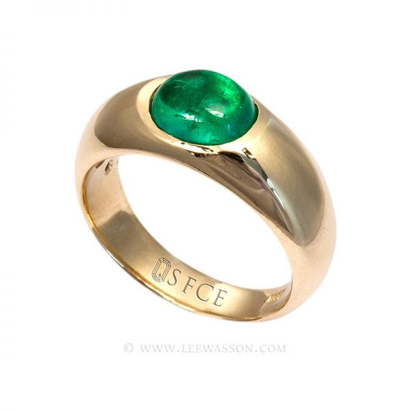 Colombian Emerald Ring, Cabochon Cut, 18k Yellow Gold