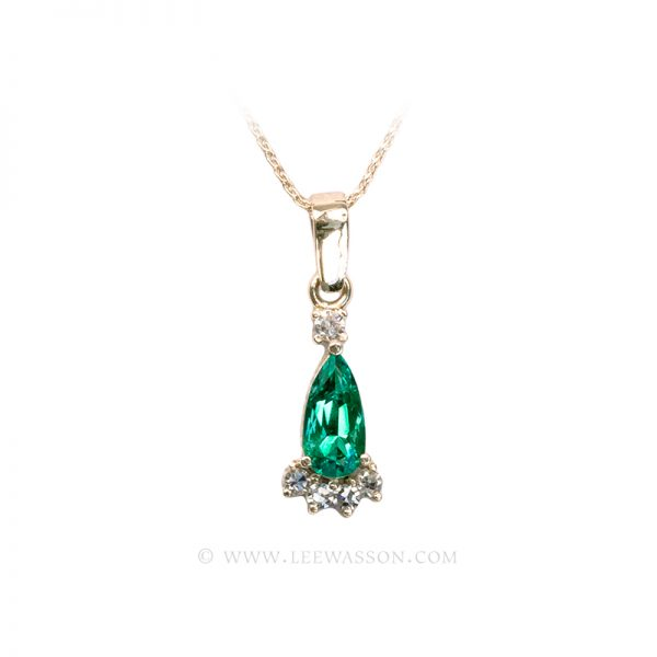 Colombian Emerald Pendant, Pear Shape Emerald Necklace set in 18K Yellow Gold.
