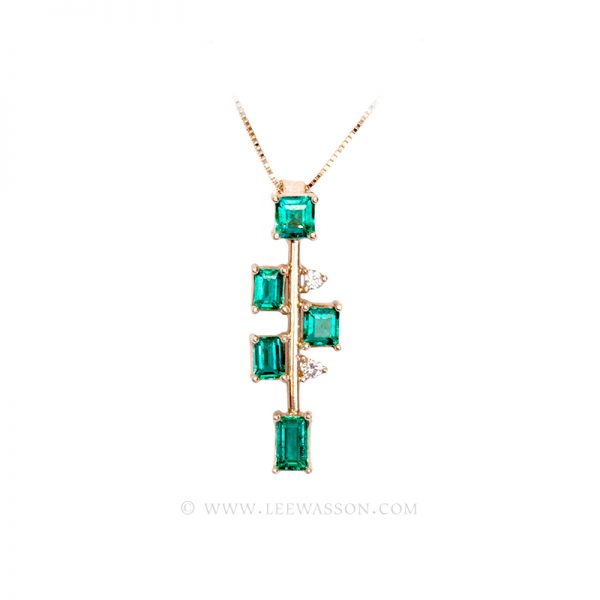 Colombian Emerald Pendant, 5 Emerald Cut Emeralds Necklace set in 18K Yellow Gold,