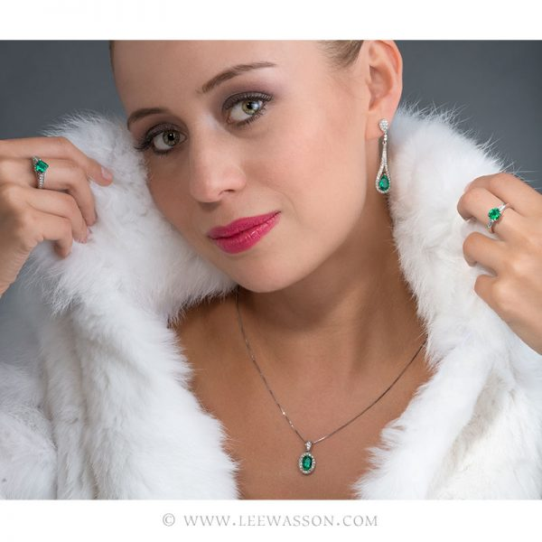 Colombian Emerald Pendant, Emerald Oval shape set in 18k White Gold. Photo Session New Collection 2017 - Colombian Emerald Jewelry - Lee Wasson. leewasson.com - 6 - 19557