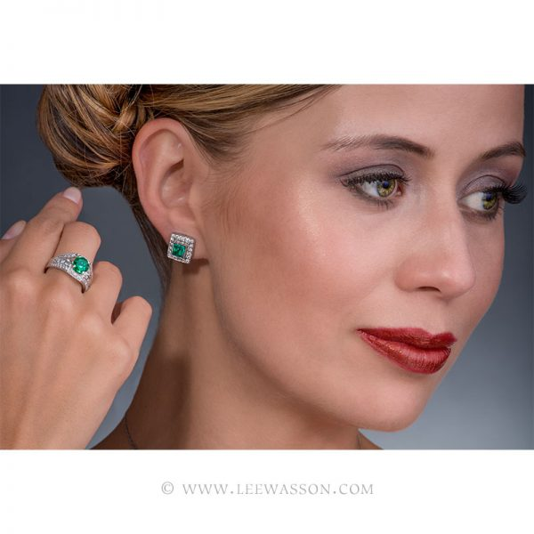 Colombian Emerald Ring & Earrings, One-of-a-kind Jewelry set in 18k White Gold with Diamonds. leewasson.com 19619 - 10