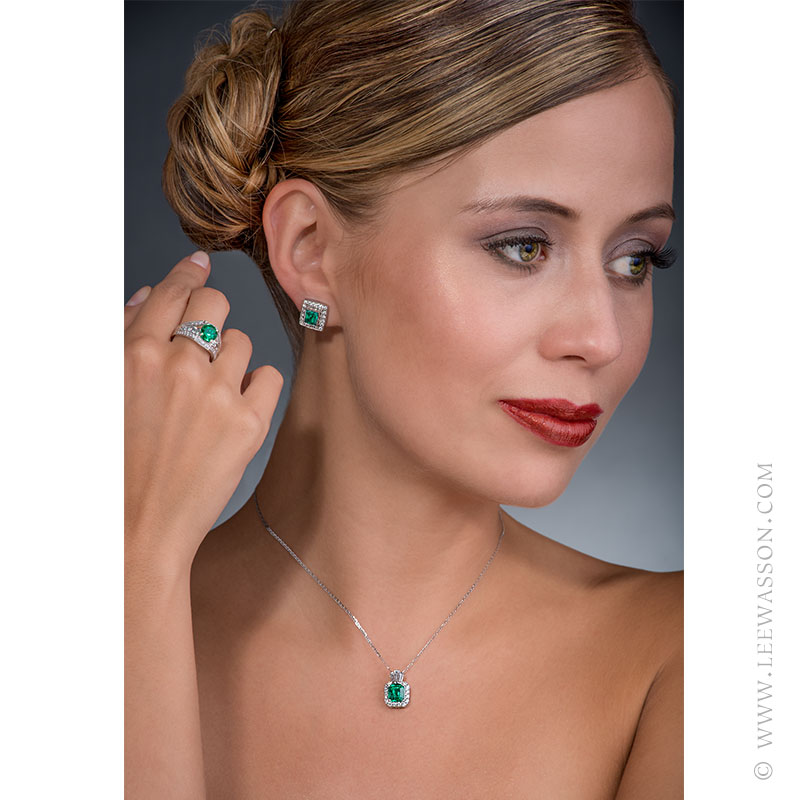 Lovely Colombian Emerald Jewelry Set in 18k White Gold. leewasson.com 19619 - 8