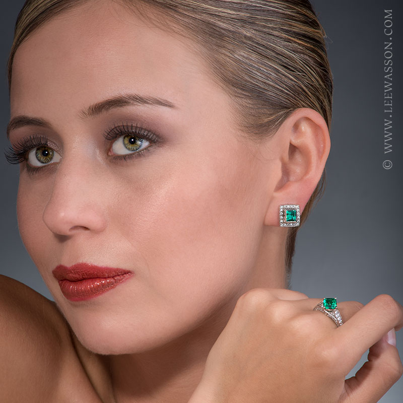Colombian Emerald Ring & Earrings, One-of-a-kind Jewelry set in 18k White Gold with Diamonds. leewasson.com - 19629 - 6