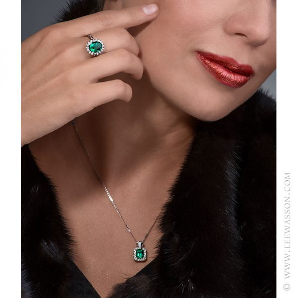 Colombian Emerald Ring & Earring, One-of-a-kind Jewelry set in 18k White Gold with Diamonds. leewasson.com 19636 - 9