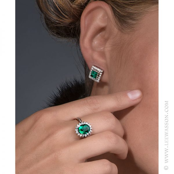 Colombian Emerald Ring & Earring, One-of-a-kind Jewelry set in 18k White Gold with Diamonds. leewasson.com 19636 - 7