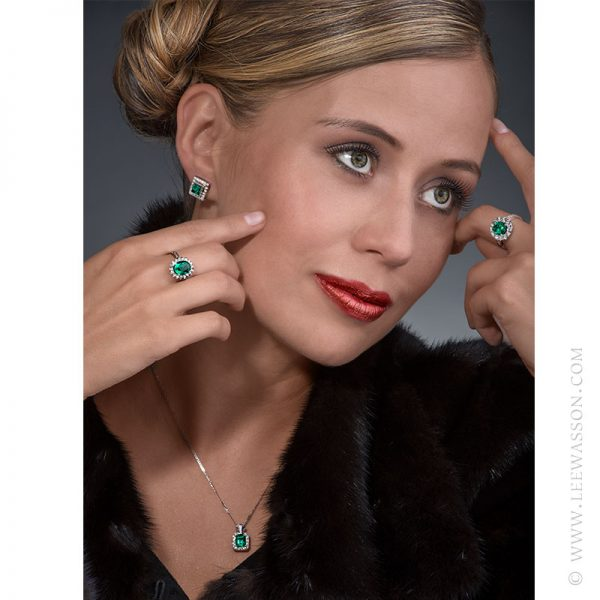 Colombian Emerald Ring & Earring, One-of-a-kind Jewelry set in 18k White Gold with Diamonds. leewasson.com 19636 - 10