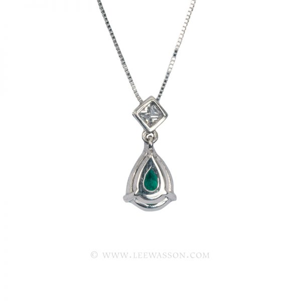 Colombian Emerald Pendant, Emerald Pear shape set in 18k White Gold