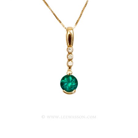 Colombian Emerald Pendant, Brilliant cut Emerald set in 18k Yellow Gold Necklace