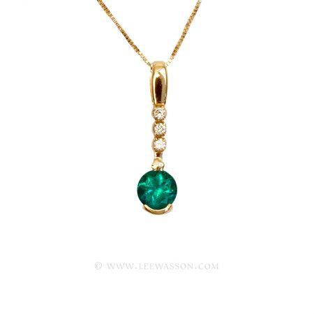 Colombian Emerald Pendant, Brilliant cut Emerald set in 18k Yellow Gold Necklace