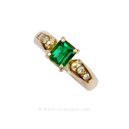 Colombian Emerald Ring Emerald cut Emerald ring set in 18k Yellow