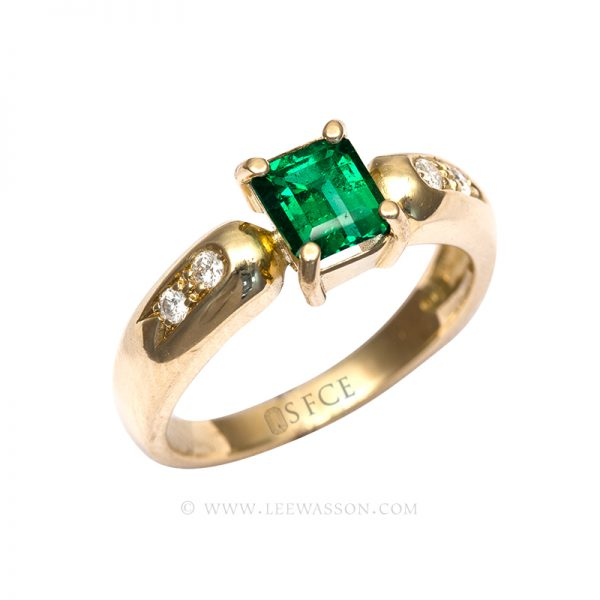 Colombian Emerald Ring, Emeralds Engagement Ring, in 18k Yellow Gold