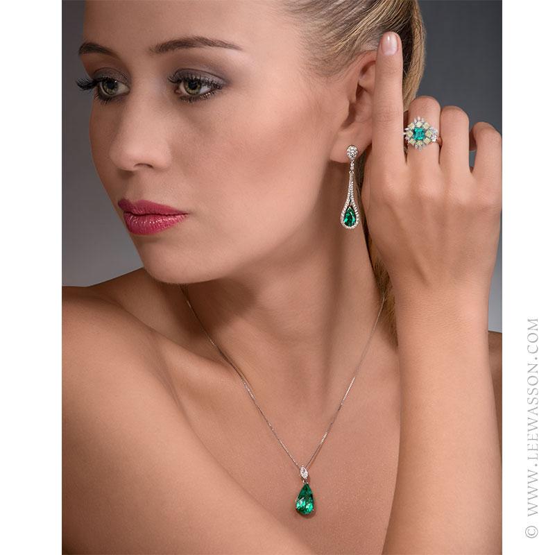 Colombian Emerald Ring, Asscher cut Emerald - Photo session - leewasson.com - 19703 - 9