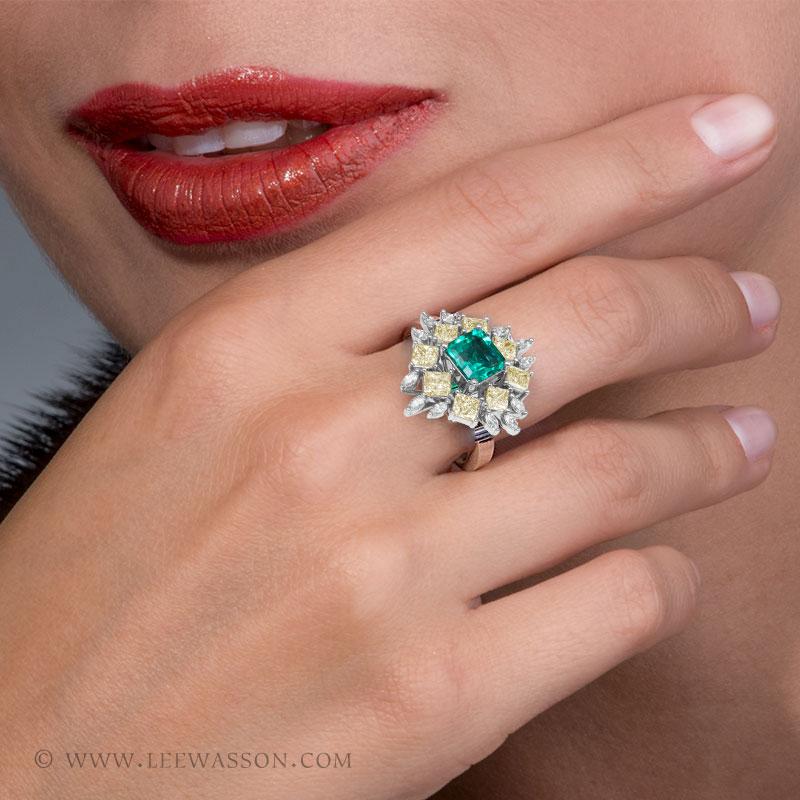 Colombian Emerald Ring, Asscher cut Emerald - Photo session - leewasson.com - 19703 - 7
