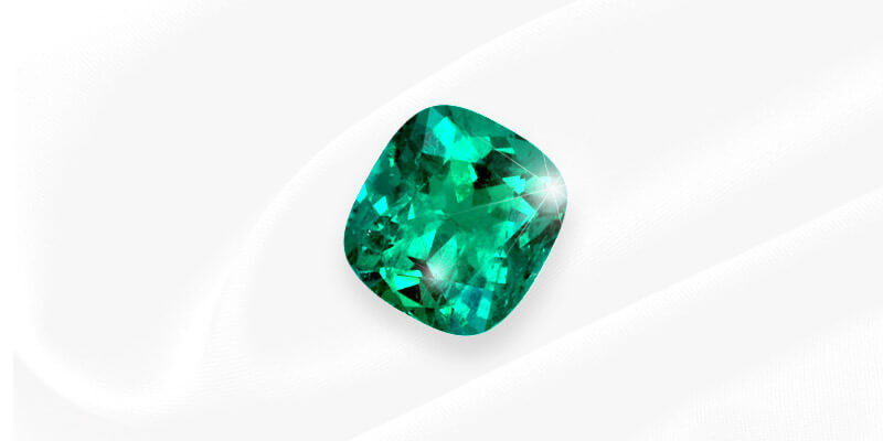 How to Evaluate Color in Colombian Emeralds