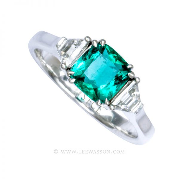Natural Colombian Emerald Ring set in 18K White Gold. leewasson.com - 19718 - 2