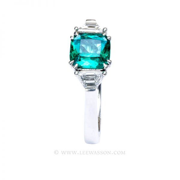 Natural Colombian Emerald Ring set in 18K White Gold. leewasson.com - 19718 - 4