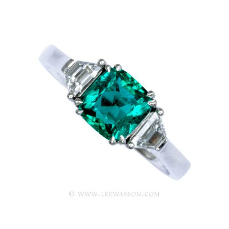 Natural Colombian Emerald Ring set in 18K White Gold. leewasson.com - 19718 - 1