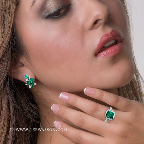Gorgeous Colombian Emerald Engagement Ring set in 18K White Gold & Diamonds. leewasson.com - 19720 - 4